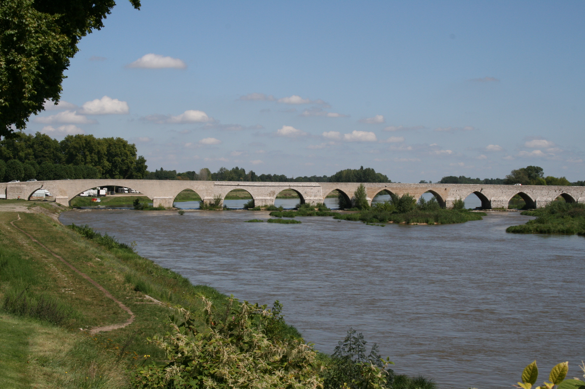 Pont_de_Beaugency_2